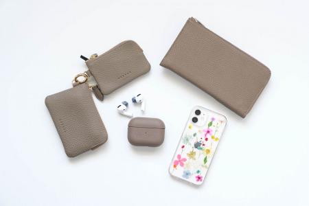 BONAVENTURA(ボナベンチュラ)AirPods Proケースと財布たち