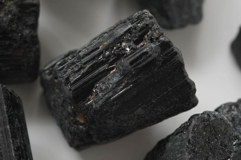 ニトリ ストーン ディフューザー クリスティのブラックトルマリンは輝く部分がある