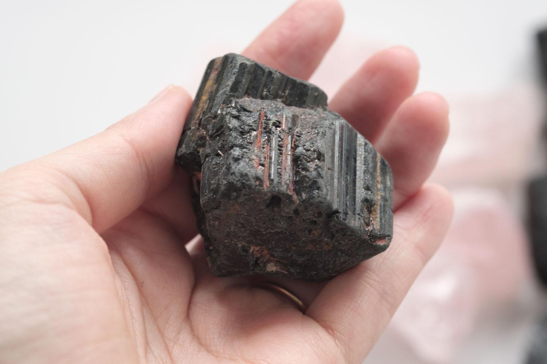 ニトリ ストーン ディフューザー クリスティのブラックは大きさにばらつきがあり