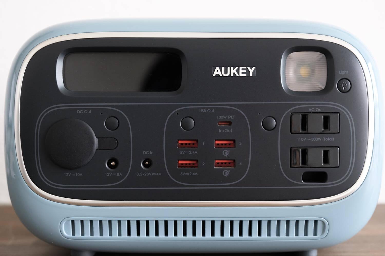 AUKEY PowerStudioの正面ポート部分