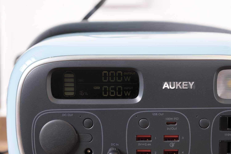 AUKEY PowerStudioはACコンセントケーブルだと60W充電