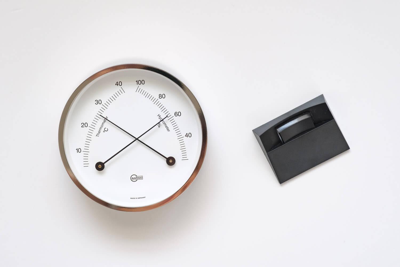 BARIGO(バリゴ)温湿度計は本体とスタンドのセット