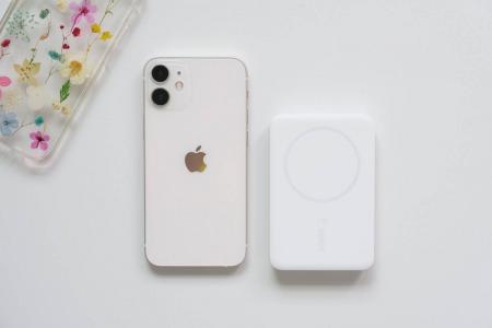 iPhone12 miniとBelkin BOOST↑CHARGE™ MagSafe対応 磁気ワイヤレスモバイルバッテリー