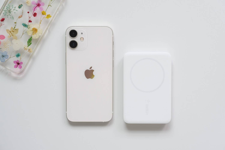 くっついて楽!Belkin MagSafe ワイヤレスモバイルバッテリーはiPhone12 miniにピッタリのサイズ【レビュー】