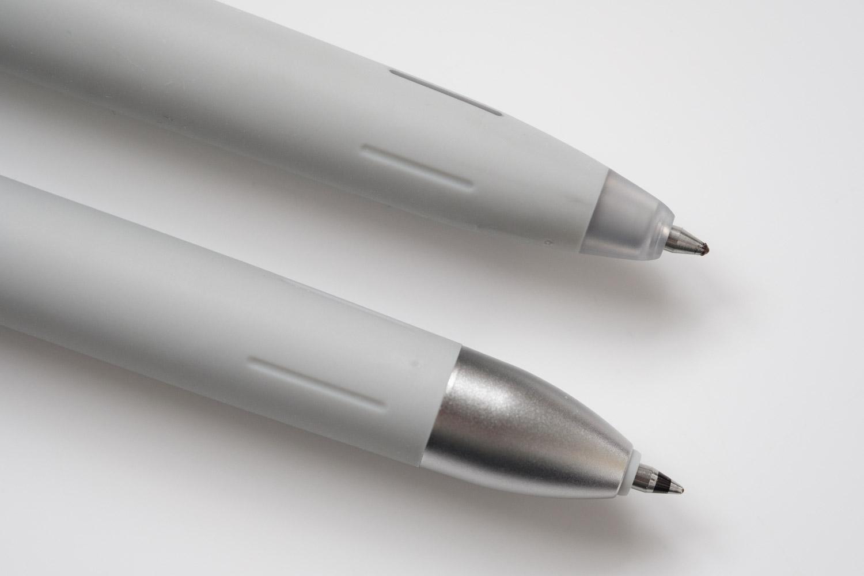 ゼブラのブレン3C多色ボールペンを通常のブレンのグレーと比較(ペン先部分)