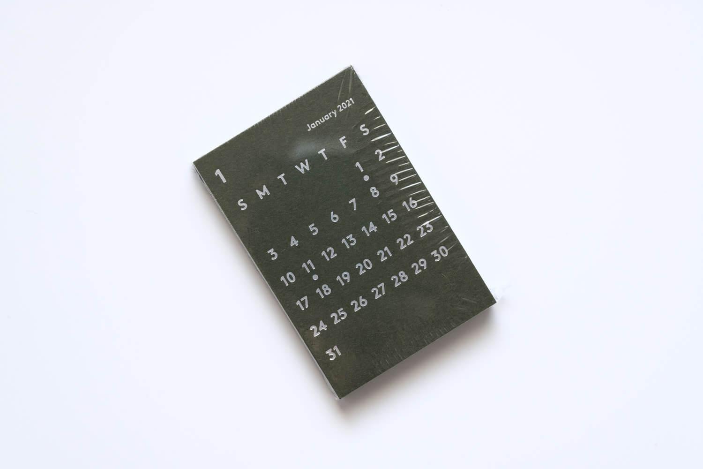 JACKAL(ジャッカル)クララカレンダー 2021年カーキ色のレフィルはカーキとシルバーの組み合わせ