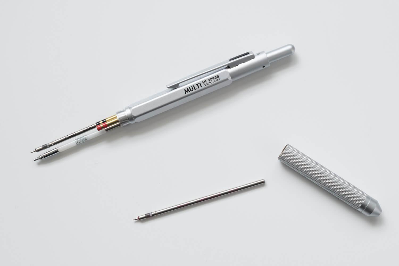 OHTO MULTIボールペン MF-20K3BにはPILOTの4Cレフィルを入れています