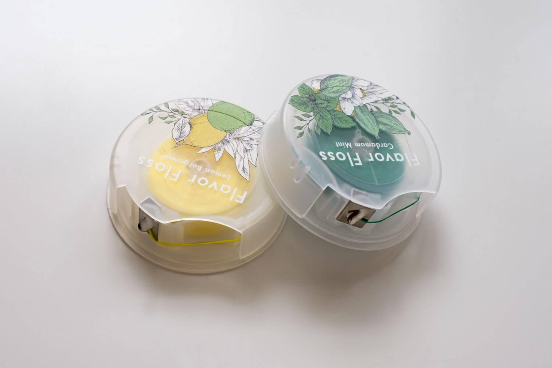 ロハコ フレーバーフロス どちらもかわいい半透明のパッケージ