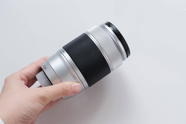 X-S10と一緒に使っているレンズ(XC50-230mmF4.5-6.7OISII)横からみたところ