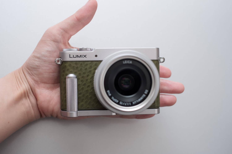 LUMIX GM5 グリーン 手のひらサイズ