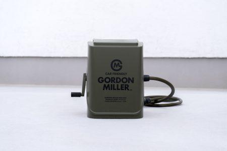 ゴードンミラー(GORDON MILLER)のホースリール オリーブカラーのフタ部分にはロゴがプリントされています