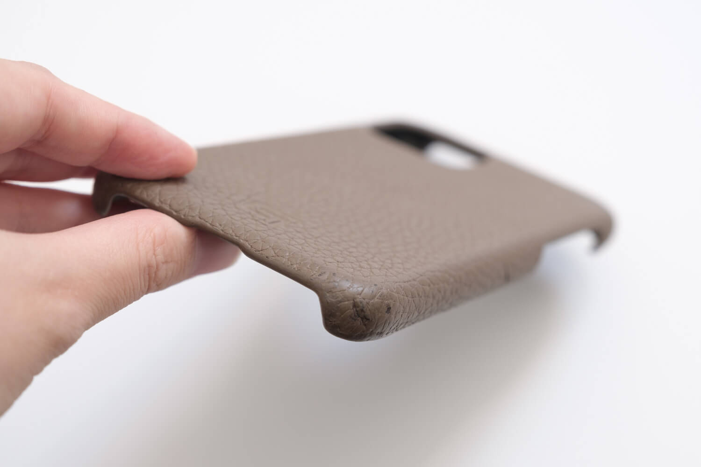 GRAMAS iPhone11 Proケース シュランケンカーフの凹み