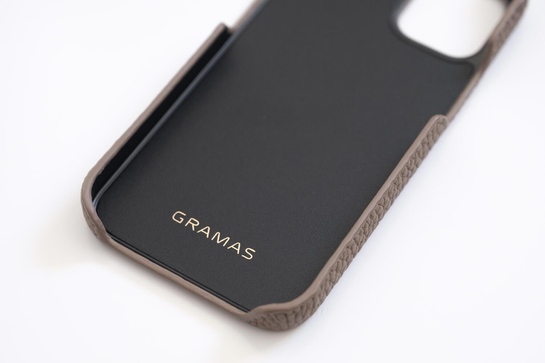 GRAMAS iPhone12 miniケース シュランケンカーフ トープカラーの内側一部にレザー