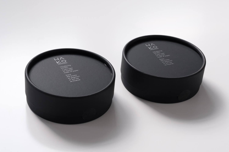 葉のお香HA KO BLACKのボックスはマットなブラックでかっこいい
