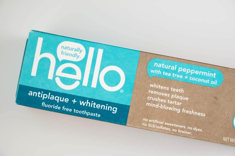 hello 歯磨き粉 ペースト ナチュラルペパーミントの箱のデザイン