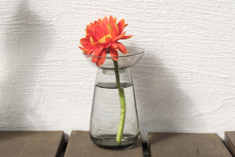 KINTO(キントー)アクアカルチャーベース80mmグレーは受け皿を使っても花瓶にできる