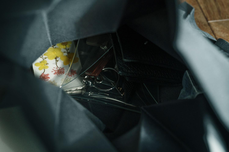 イッタライッセイミヤケ 折りたたみバッグ スマホやポーチや財布を収納