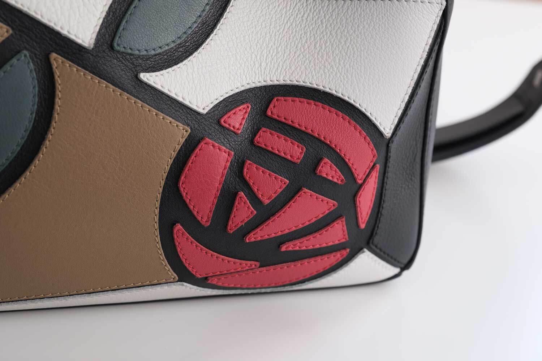 ロエベパズルバッグのマッキントッシュデザイン