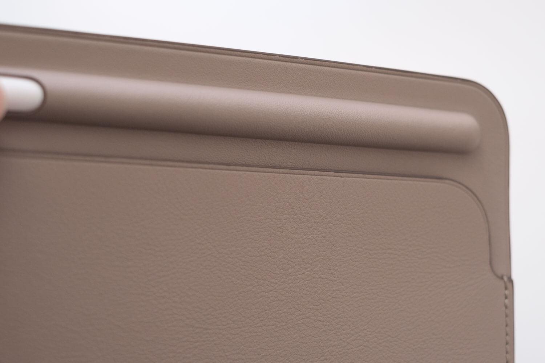10.5インチ用iPadレザースリーブケース シボ感