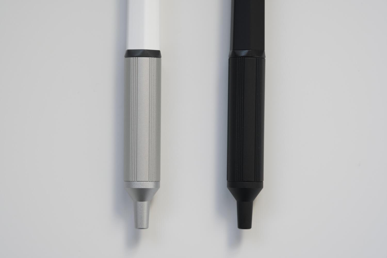 ジェットストリームエッジはグリップとペン先周りが金属素材