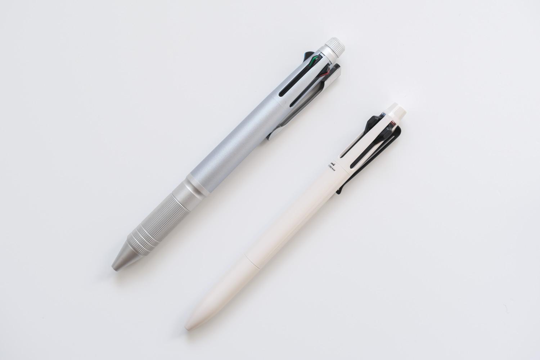 ジェットストリームプライム3色ボールペン ベージュ(SXE3330005.45)とジェットストリームメタルの比較