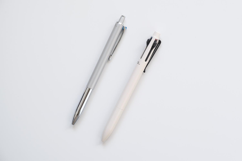 ジェットストリームプライム3色ボールペン ベージュ(SXE3330005.45)とジェットストリームプライム単色の比較