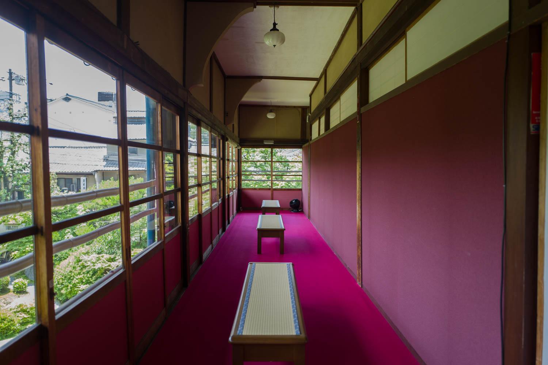 フォーエバー現代美術館 草間彌生 廊下