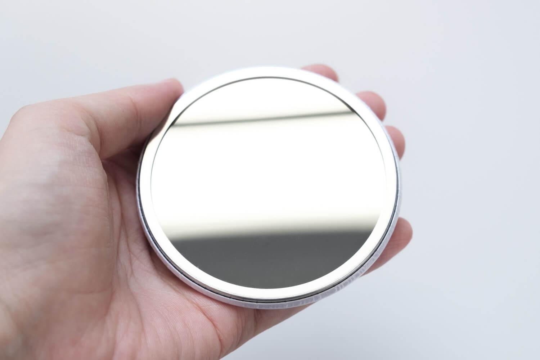 靴下屋サンリオコラボボックスロゴアメリブショートソックスに付属のオリジナル缶ミラーのミラー部分