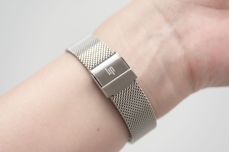 LIP(リップ)MACH mini(マッハミニ) シルバーメッシュバンド 留め具のデザイン