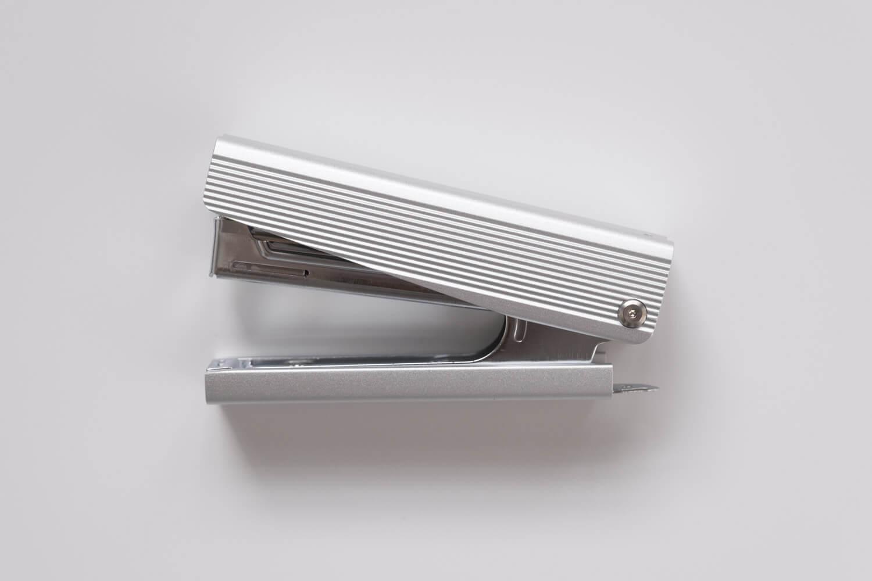 マックス フルメタルホッチキス HD-10X(シルバー)本体