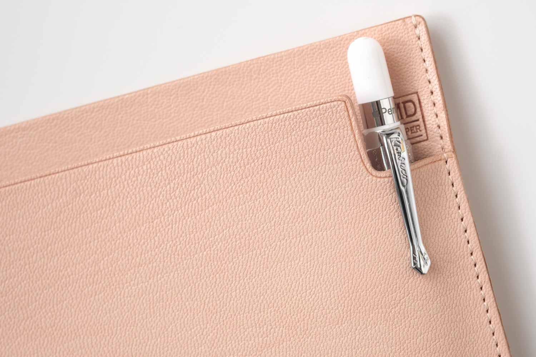MDノートバッグ ヌメ革 ゴートヌメの中にpple Pencilも収まりました