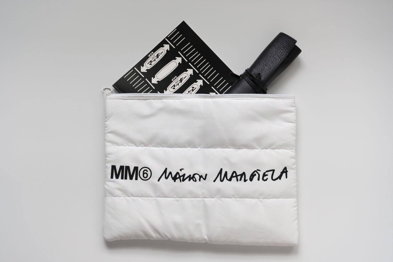 SPUR2019年11月号 MM6 メゾンマルジェラ パテッドポーチ ノートやペンケースも余裕で入ります
