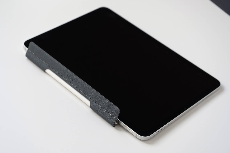 iPad proにApple Pencilホルダーをくっつけたところ