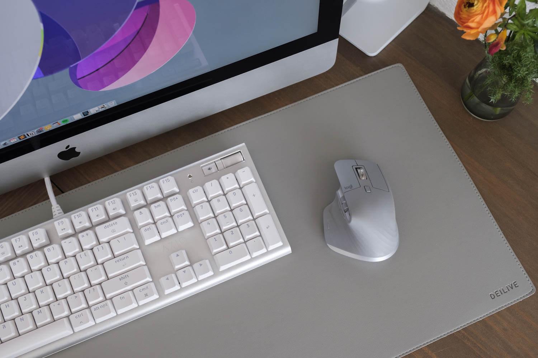 2020年4月のパソコン周り。キーボードはAZIOでマウスはロジクールのMX MASTER3