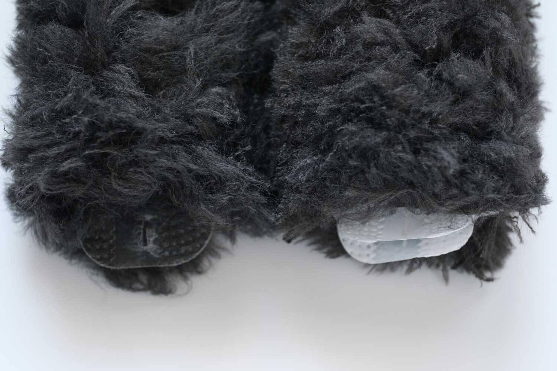 クイックルワイパーハンディ ブラック 2019年版は不織布部分がホワイトで、2017年版は不織布部分もブラック