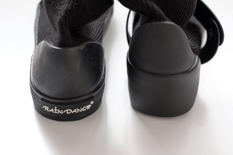 RAIN DANCE(レインダンス)ブラック ヒールのデザインが違う