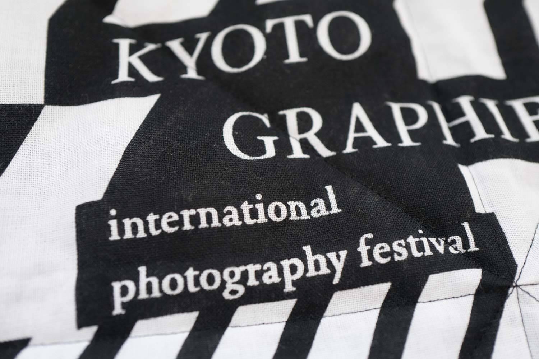 表面の柄はKYOTO GRAPHIE2