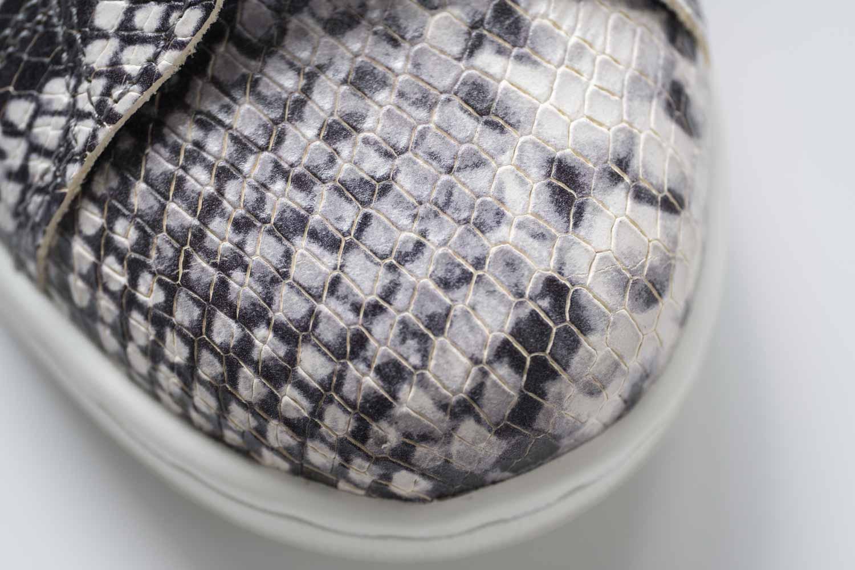 アディダスオリジナル スタンスミススネーク 天然皮革にスネークプリントと型押し