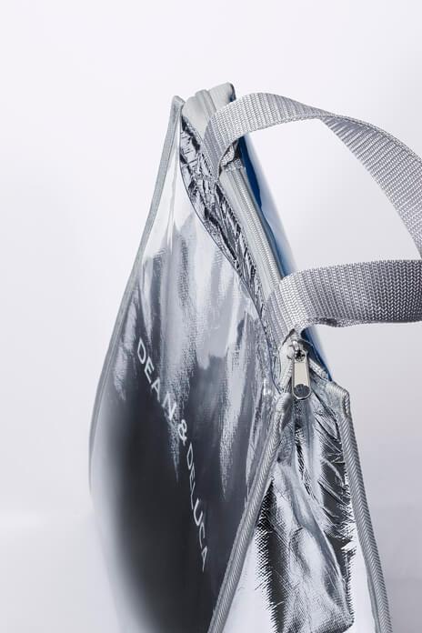 Ziploc × DEAN & DELUCA × BEAMS COUTUREトリプルコラボのクーラーバッグの背面ポケット