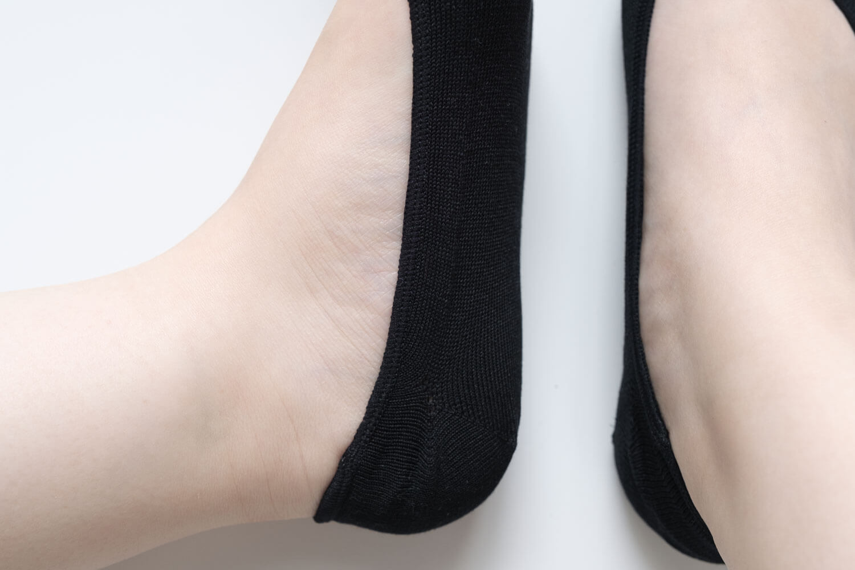 靴下屋のデオドラント足袋カバーソックス 011110185を履いたかかと部分