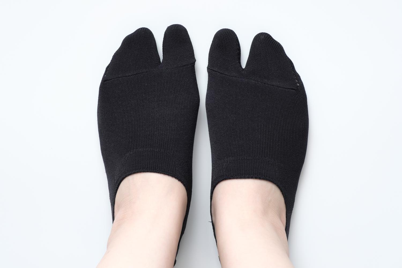 靴下屋の無地足袋深履きカバーソックス 011110134を履いたところ
