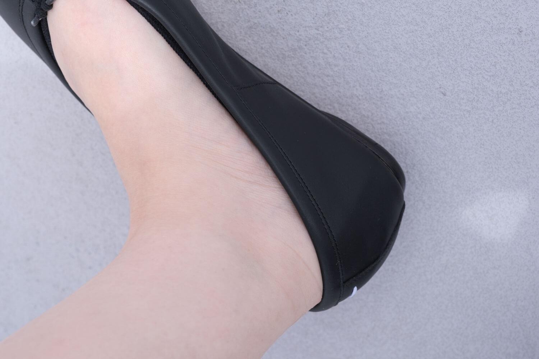 靴下屋のデオドラント足袋カバーソックス 011110185でタビバレエを履いたところ(かかとのサイド)