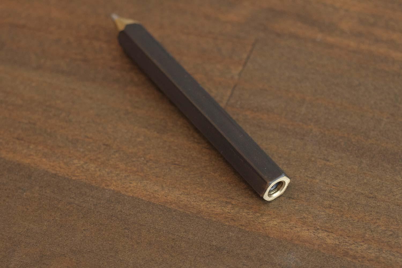 TETZBO CHIBY 小さくなった鉛筆のようなフォルムがかわいい
