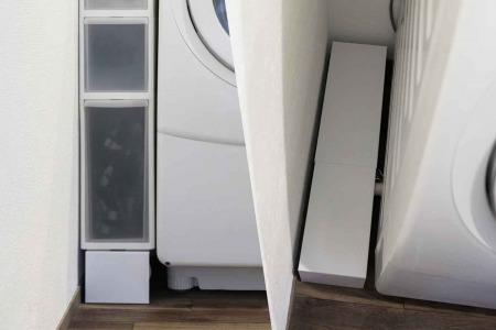 山崎実業 tower(タワー)の洗濯機隙間ラックの記事のアイキャッチ画像