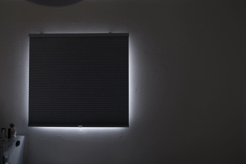 イケア TRIPPEVALS(トリッペヴァルス)を寝室で使っているところ