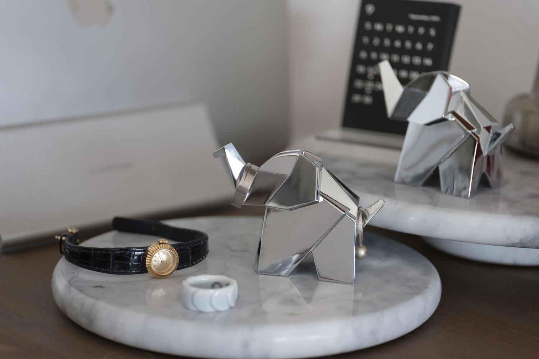 美しい金属製の指輪収納!umbra オリガミリングホルダー エレファントは飾るだけでも素敵【レビュー】