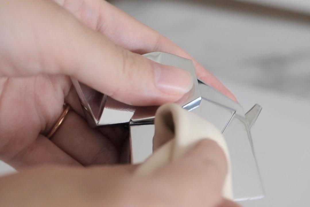 umbra(アンブラ)オリガミリングホルダー 指紋は取りやすい