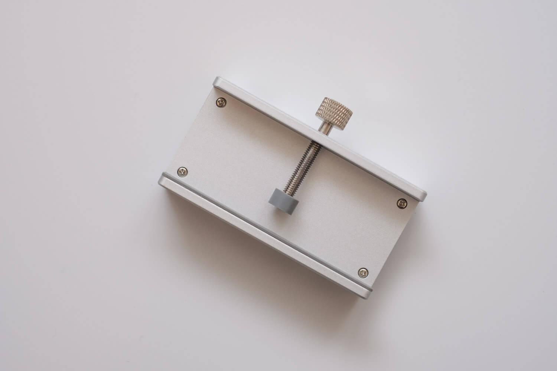 クランプ型USBハブ 厚み調整2