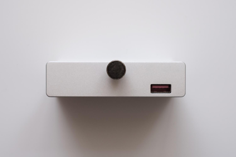クランプ型USBハブ  裏側