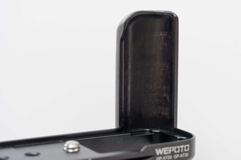 X-T20 X-T30 WEPOT 木製グリップ 木なのにしっかり加工できている